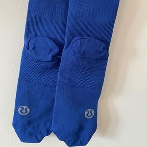 "NWOT Lululemon ""tight stuff socks"" size M/L men's"